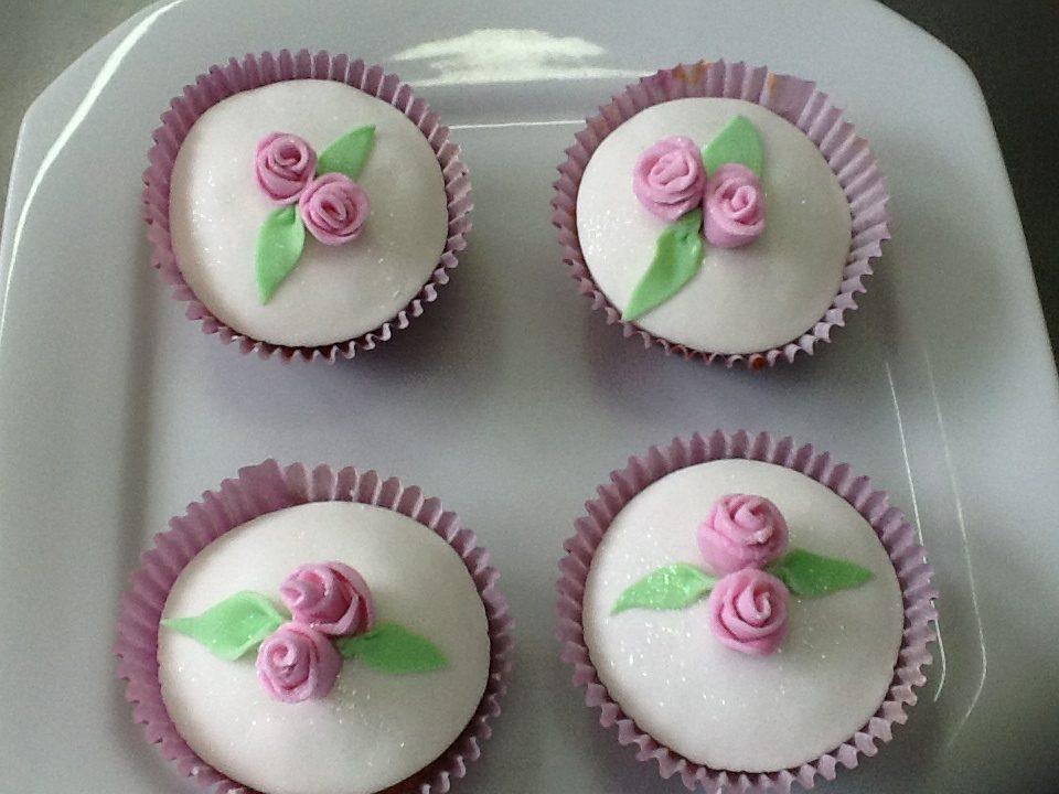 cupcakes, 203