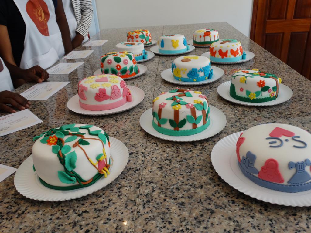 curso de bolo com pasta americana 1, site